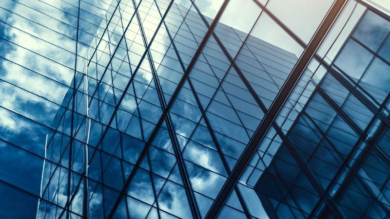 ventanas de un edificio corporativo
