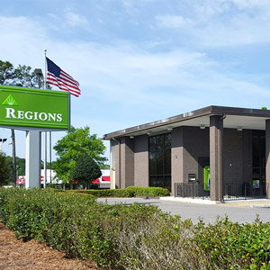 Regions Bank Skyline 4100 Government Blvd in Mobile