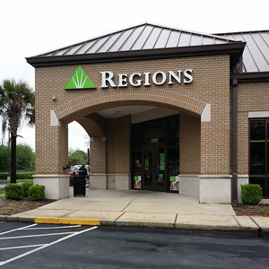 Regions Bank Crichton in Mobile