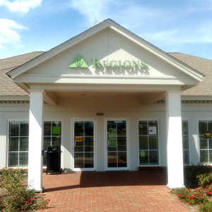 Regions Bank 84 West Dothan in Dothan