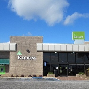 Regions Bank Foley W Roosevelt Ave in Foley