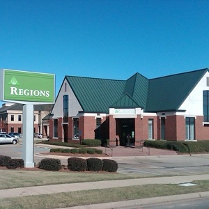 Regions Bank 2381 Taylor Rd Montgomery in Montgomery