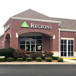 Regions Bank North Circle in Dothan