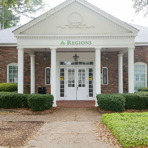 Regions Bank Livingston Main in Livingston