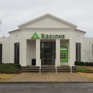 Regions Bank Jackson N College Ave in Jackson