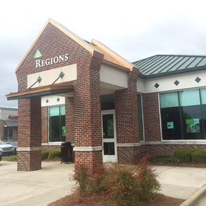 Regions Bank Deerfoot Pkwy in Pinson