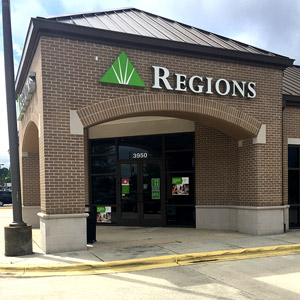 Regions Bank Pinebrook Shopping Center in Mobile