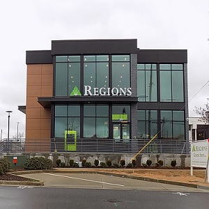 Regions Bank Tuscaloosa Main 9Th St in Tuscaloosa