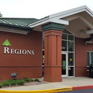 Regions Bank University Oaks in Mobile