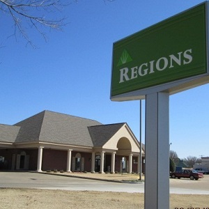 Regions Bank Marion West in Marion