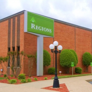 Regions Bank Clinton Ar Main in Clinton