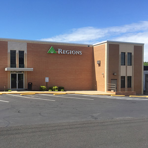 Regions Bank Morrilton Main in Morrilton
