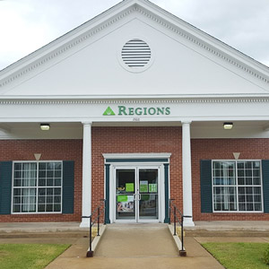 Regions Bank North State Line in Texarkana