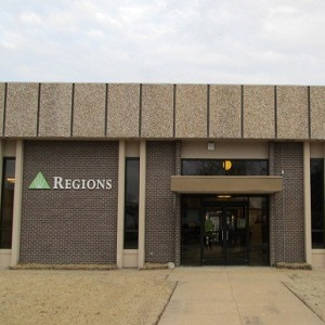 Regions Bank Earle in Earle