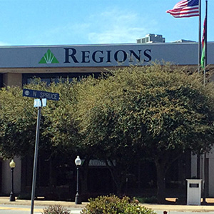 Regions Bank Searcy Main in Searcy