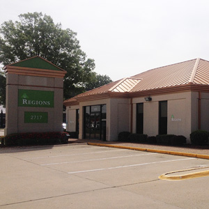 Regions Bank East Race St in Searcy