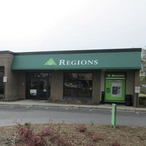 Regions Bank Mary Esther Cutoff in Mary Esther
