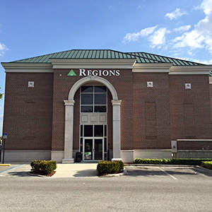 Regions Bank Winthrop in Riverview