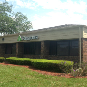 Regions Bank Palm Harbor in Palm Harbor