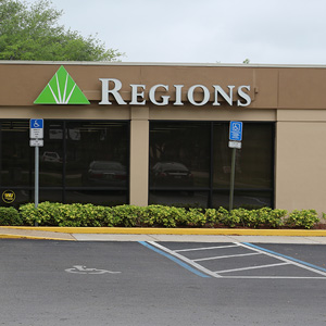 Regions Bank Bell Shoals en Valrico