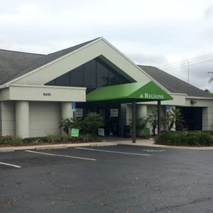 Regions Bank College Parkway in Fort Myers