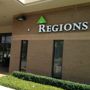 Regions Bank Beverly Hills in Beverly Hills
