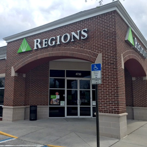 Regions Bank Commercial Way in Spring Hill
