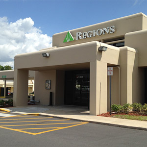 Regions Bank Tuscawilla in Winter Springs