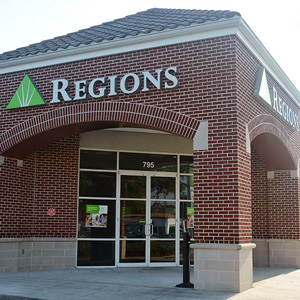 Regions Bank East Longwood in Longwood