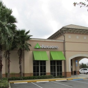 Regions Bank Mount Dora in Mount Dora