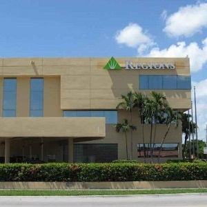 Regions Bank South Hialeah en Hialeah