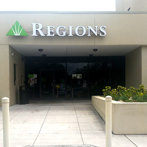 Regions Bank Oakland in Oakland Park