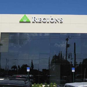 Regions Bank East 4Th Ave en Hialeah