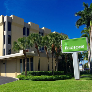 Regions Bank Pinecrest in Miami