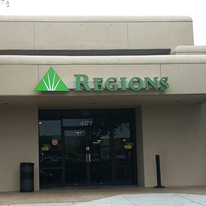 Regions Bank Northcliffe in Spring Hill