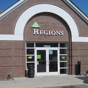 Regions Bank Walnut Ave in Dalton