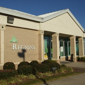 Regions Bank Shallowford Rd in Gainesville