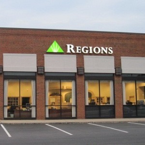 Regions Bank Sandy Springs Main in Atlanta