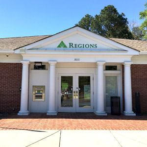 Regions Bank Lavista Northlake Mall in Tucker