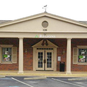 Regions Bank Henry County Main in Mcdonough