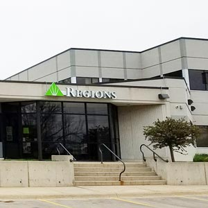 Regions Bank Ridgeway Ia in Waterloo