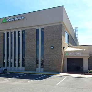 Regions Bank Lincoln Tr in Fairview Heights