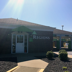 Regions Bank Longacre Remote Drive Thru in Fairview Heights