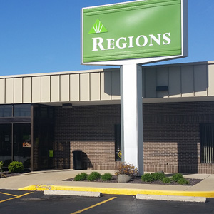 Regions Bank Fairview Plaza in Decatur