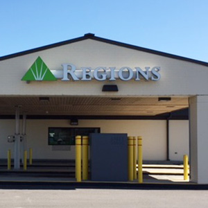 Regions Bank Pendleton Pike in Indianapolis