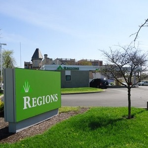 Regions Bank West Kirkwood Remote Drive Thru in Bloomington