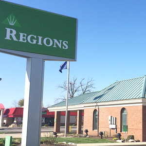Regions Bank Hart Street in Vincennes