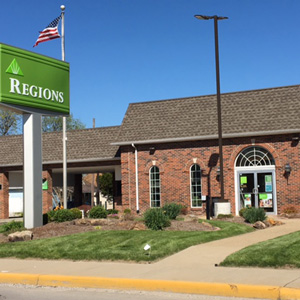 Regions Bank North Vincennes in Vincennes
