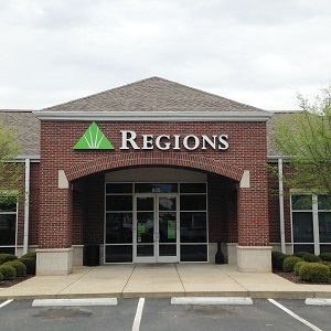 Regions Bank Manhattan Boulevard in Harvey