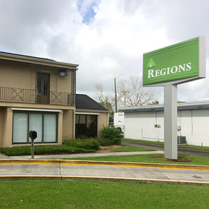 Regions Bank Grand Caillou Rd in Houma
